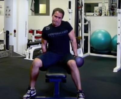 Encogimiento-de-hombros-para-trapecio-Gittleson-Shrug