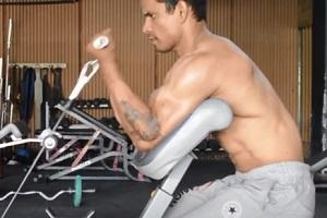 Predicador-con-cable-para-biceps